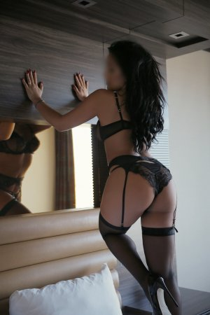 Chrystell massage parlor and escort