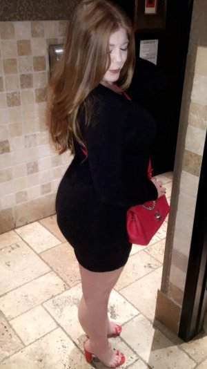 Salira escorts in Carlsbad NM