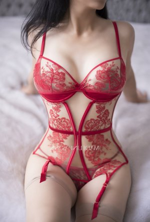 Saffa nuru massage in LaBelle, escort
