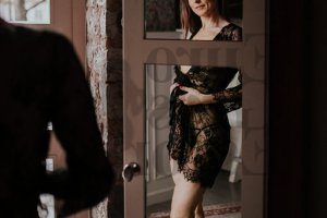 Katerina happy ending massage, escort girl