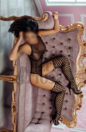 Nadjma escort girl in Sauk Rapids Minnesota