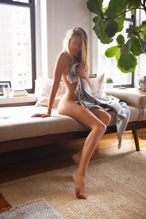 Odeline escort, erotic massage