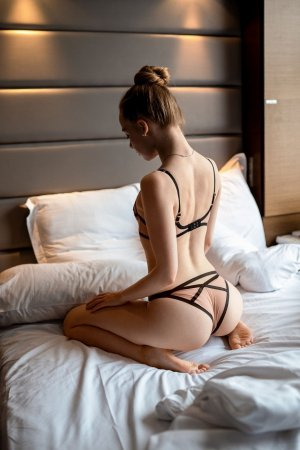 Teyssa live escort in Herndon and thai massage